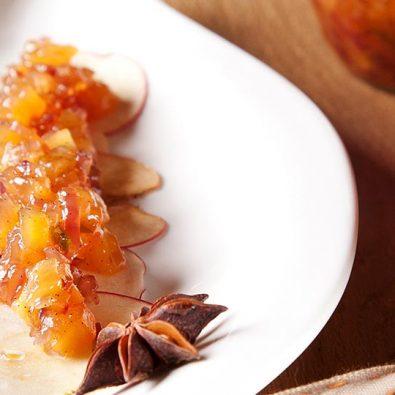 Apfel-Chutney als Dessert mit Sternanis