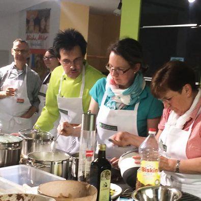 Workshop in der Küche des Hotels zum Thema Wildkräuter