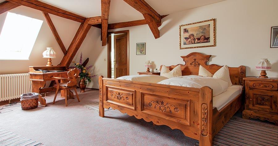 Familienzimmer im Brauhof mit Doppelbett
